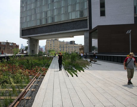 HighLine ADA accessible path Image